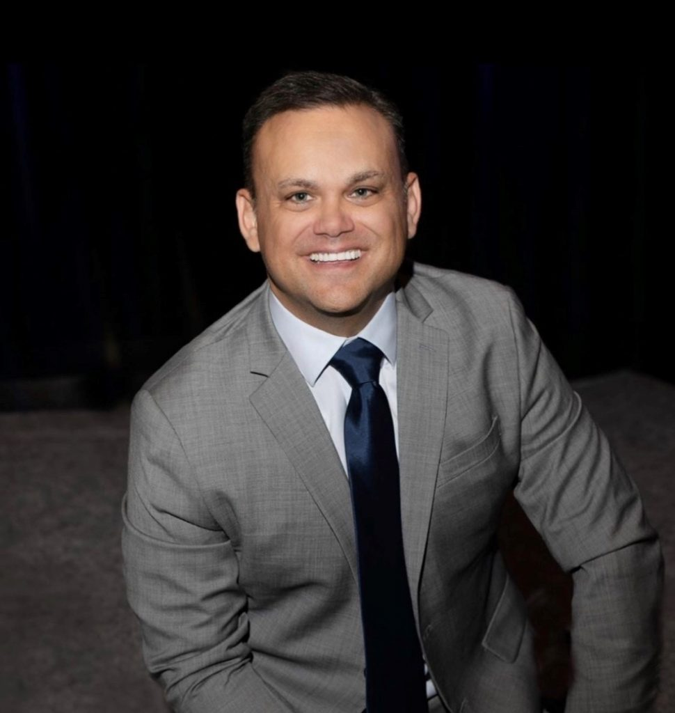 Ryan Lowe, Motivational Keynote Speaker, TEDx Speaker, Sales Trainer, Leadership Trainer, Customer Service Trainer, Sales Coach, Leadership Coach, Author of Get off Your Attitude
